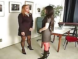 Lesbische secretaresse porno